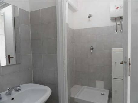 Negozio-Via-Iris-Versari-n.-30-bagno