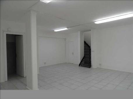 Negozio-Via-Iris-Versari-n.-30-interno-piano-1